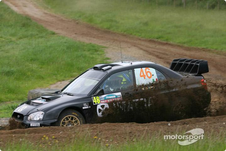 V.Rossi неплохо смотрится за рулем 4-колесного аппарата.